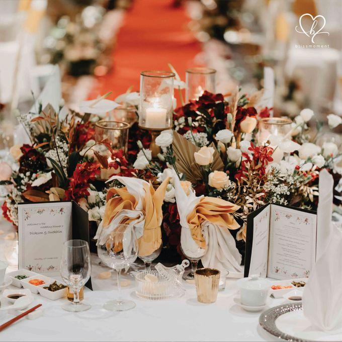 Dickson & Sue - Gold, champagne, blush, burgundy, brown Wedding by Blissmoment - 009