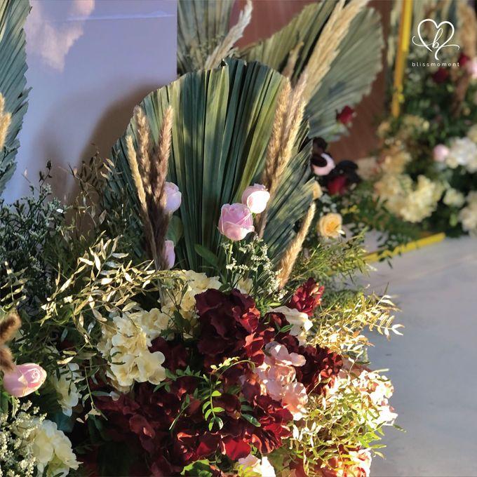 Dickson & Sue - Gold, champagne, blush, burgundy, brown Wedding by Blissmoment - 013