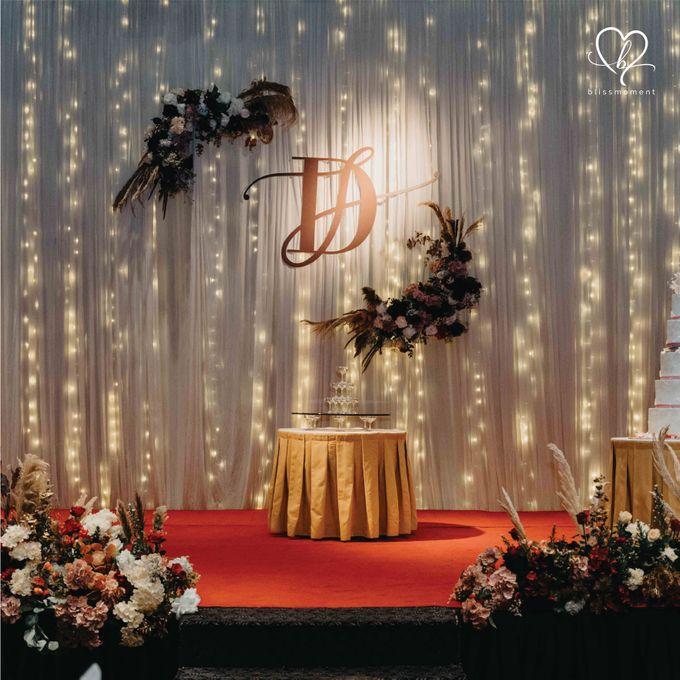 Dickson & Sue - Gold, champagne, blush, burgundy, brown Wedding by Blissmoment - 015
