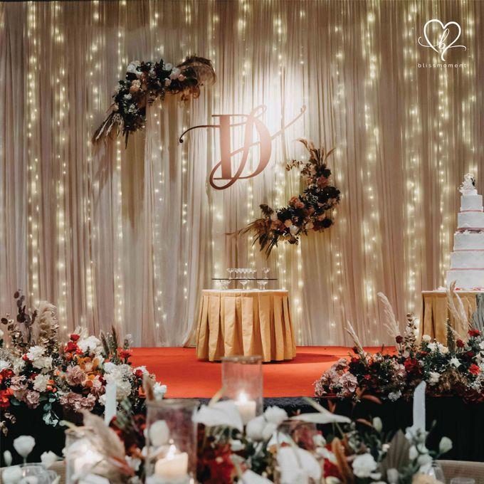 Dickson & Sue - Gold, champagne, blush, burgundy, brown Wedding by Blissmoment - 017