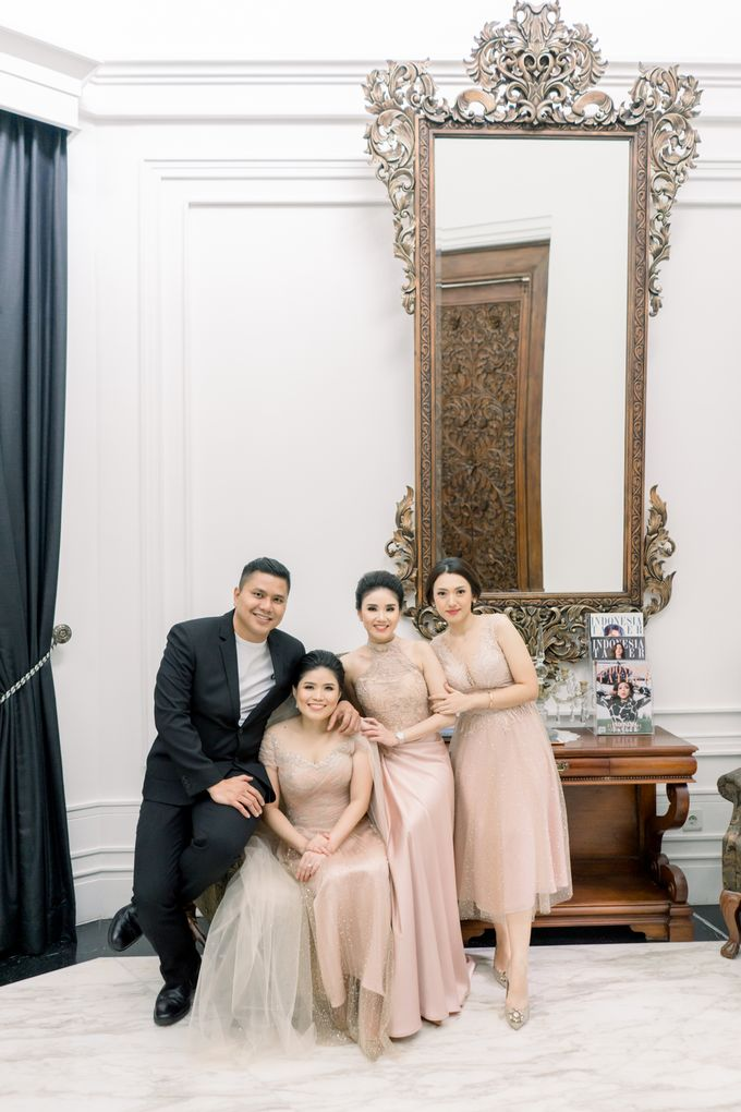 John & Merry Intimate Wedding Celebration by Iris Photography - 011