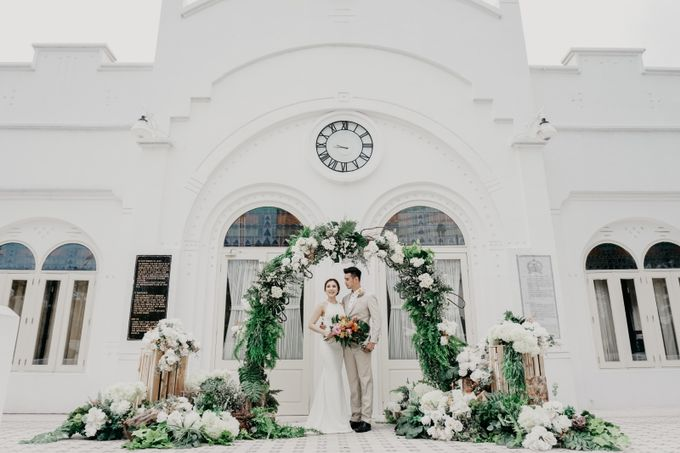 Tropical Wedding - Chintya & Glen by Angie Fior - 001