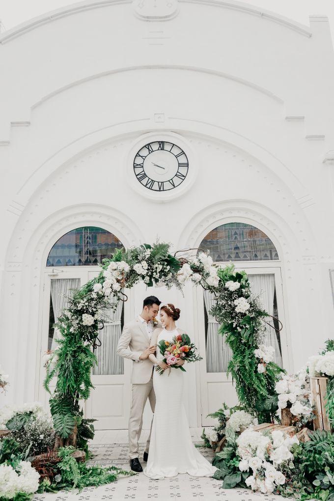Tropical Wedding - Chintya & Glen by ELNATH - 002