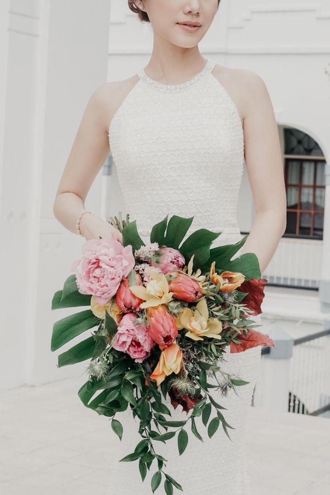 Tropical Wedding - Chintya & Glen by Angie Fior - 004