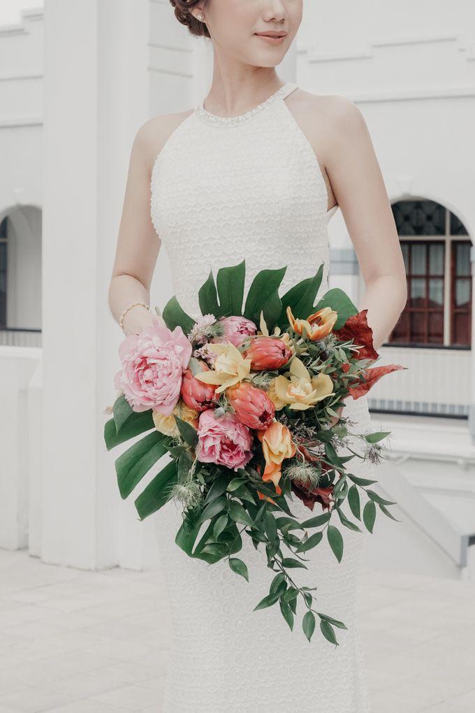 Tropical Wedding - Chintya & Glen by Angie Fior - 005