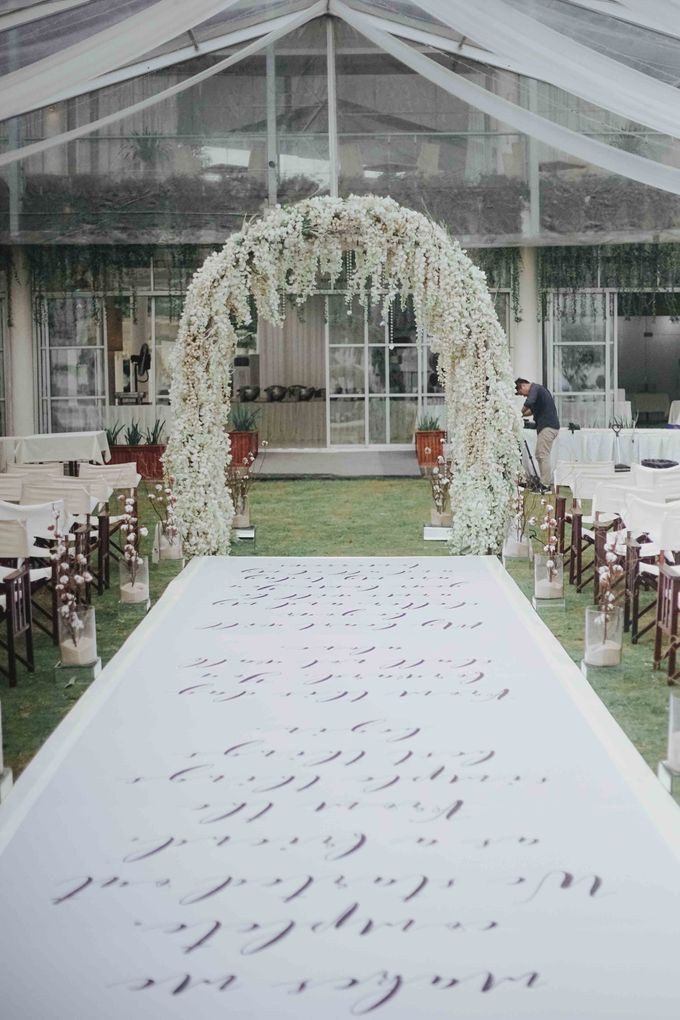 The Beautiful Classic White Wedding by Memoir Paperie - 005