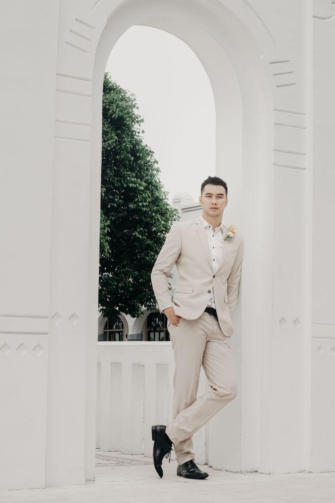 Tropical Wedding - Chintya & Glen by ELNATH - 008