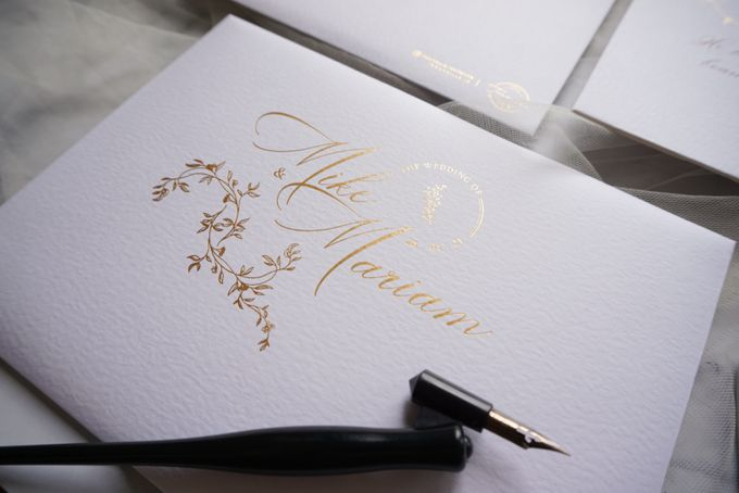 Romantic Floral by Trouvaille Invitation - 015