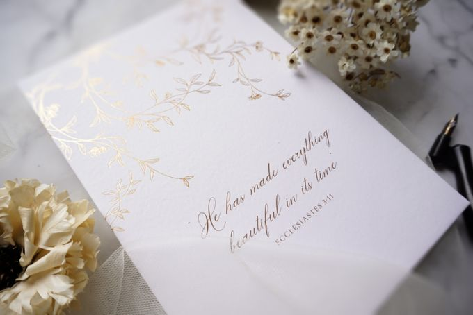 Romantic Floral by Trouvaille Invitation - 006