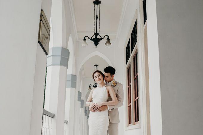 Tropical Wedding - Chintya & Glen by ELNATH - 009