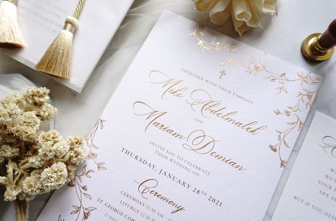 Romantic Floral by Trouvaille Invitation - 004