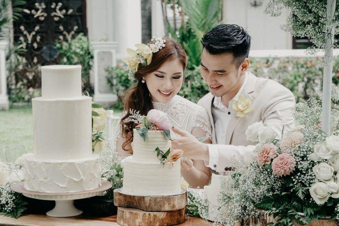 Tropical Wedding - Chintya & Glen by ELNATH - 012