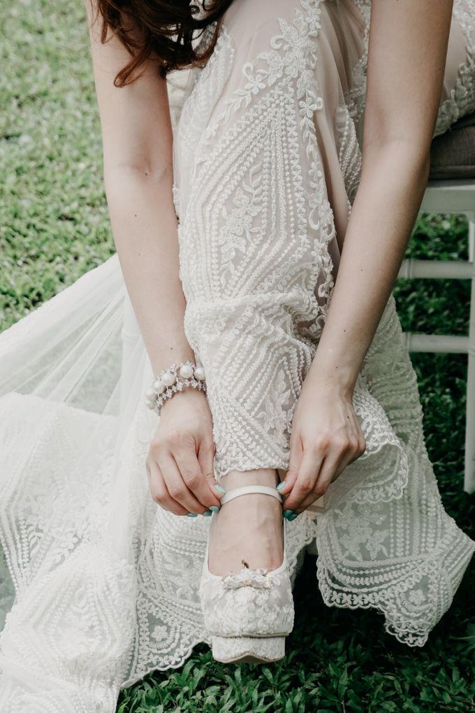 Tropical Wedding - Chintya & Glen by ELNATH - 013