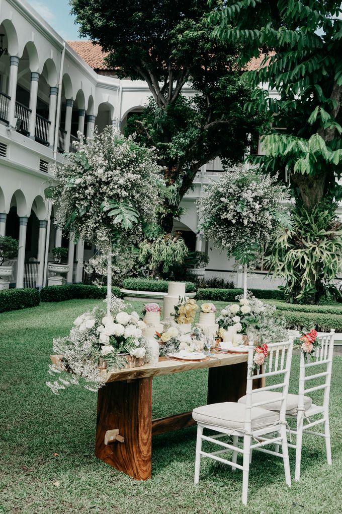 Tropical Wedding - Chintya & Glen by ELNATH - 014