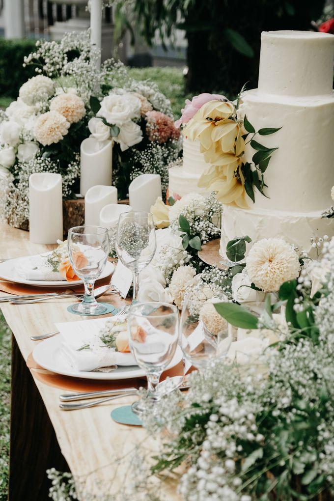Tropical Wedding - Chintya & Glen by ELNATH - 015