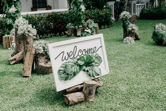 Tropical Wedding - Chintya & Glen by Angie Fior - 016