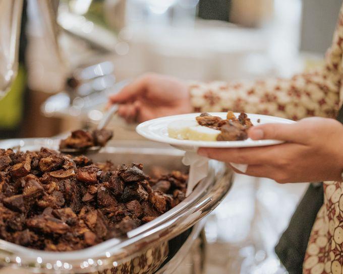 Wedding of Ghafiq & Nenes by Minity Catering - 012