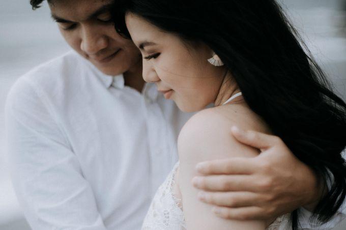 Lius & Tami Engagement Portrait by Keyva Photography - 007