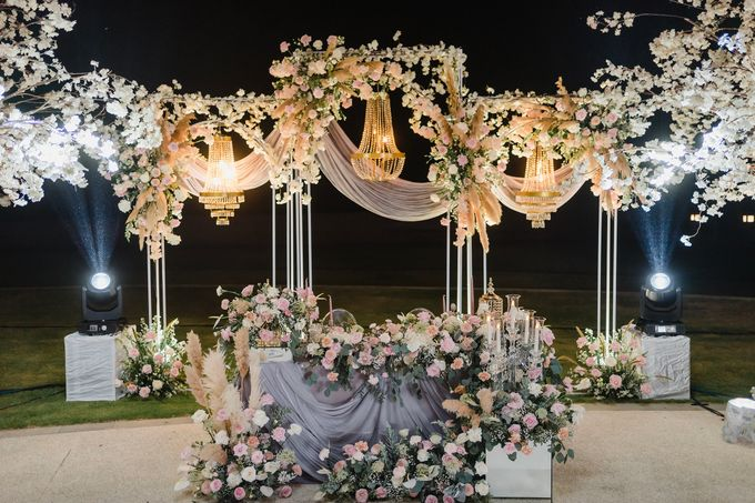 An Elegant Timeless Blush and Rose Gold Arrangement by Bali Wedding Atelier - 015