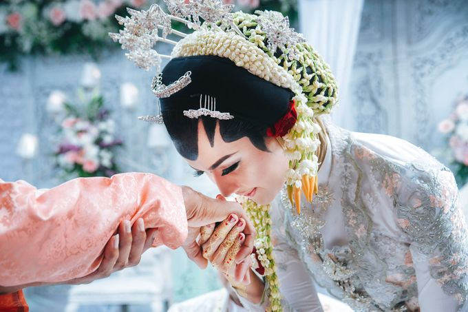 Akad Nikah of Ayu & Artha by: Gofotovideo by GoFotoVideo - 014