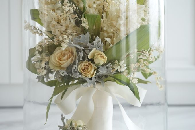 A Bouquet Of Lily of the Valley and Hyacinthus by CONSERVÉ FLOWER PRESERVATION - 004