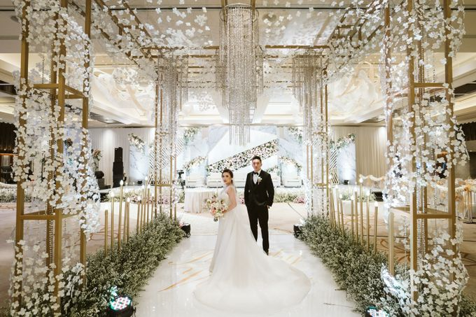 Ayana Midplaza - Timothy & Vanessa by Maestro Wedding Organizer - 050