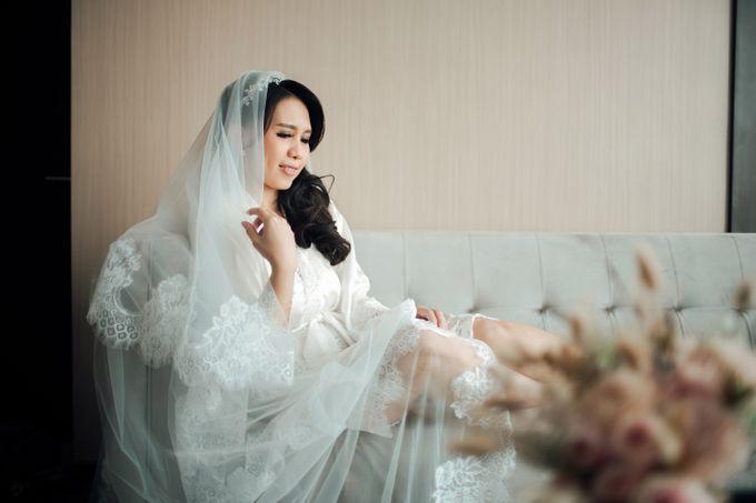 When I look at you, I can feel it. And I'm Home ❤ by Gorgeous Bridal Jakarta - 010