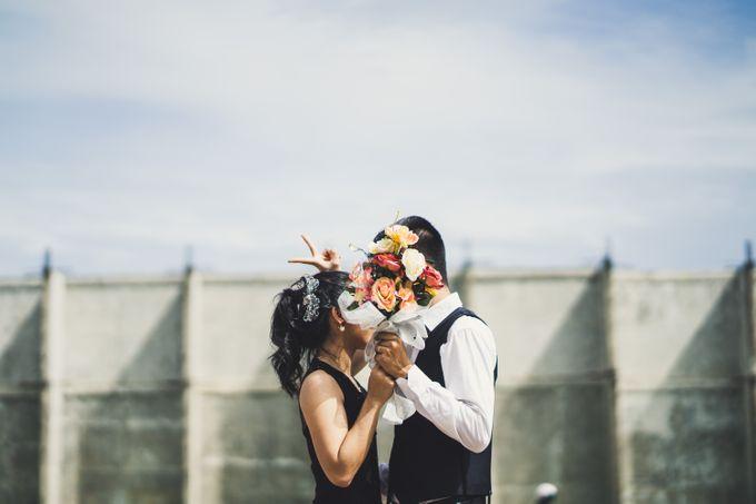 Prewedding of Irwin & Septin by Vivre Pictures - 002