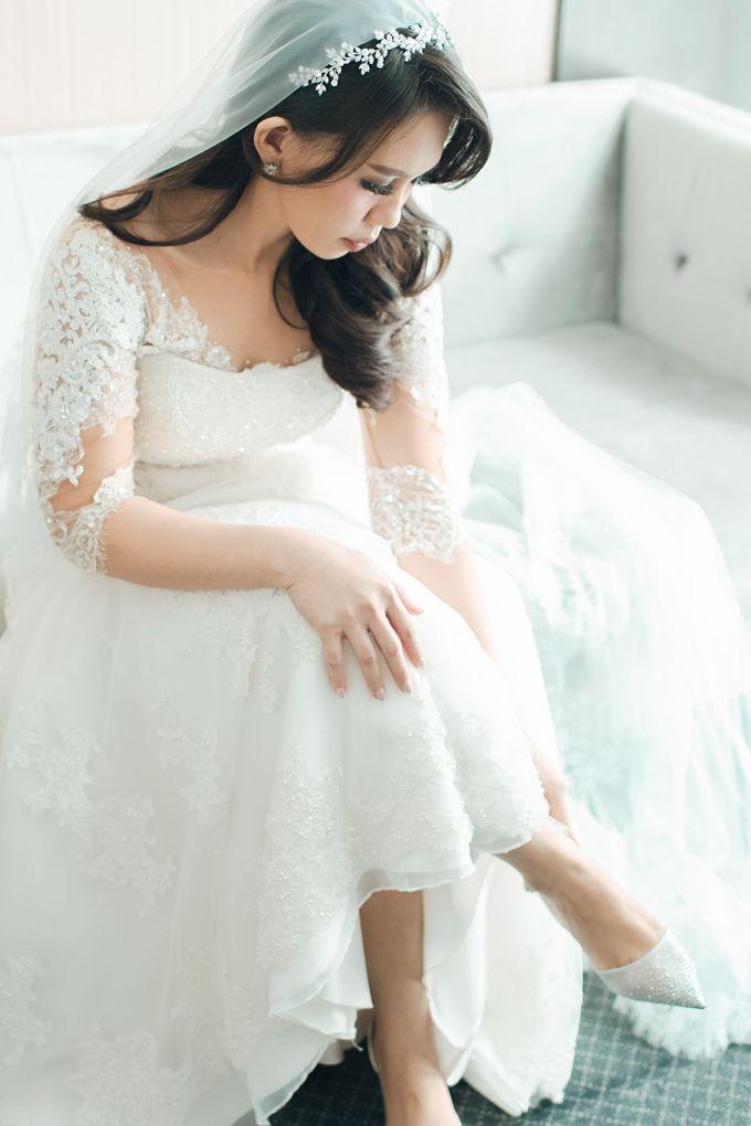 When I look at you, I can feel it. And I'm Home ❤ by Gorgeous Bridal Jakarta - 003