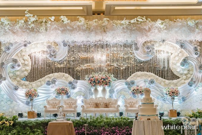 Sheraton grand jakarta 2017 12 02 by white pearl decoration add to board sheraton grand jakarta 2017 12 02 by white pearl decoration 001 junglespirit Image collections