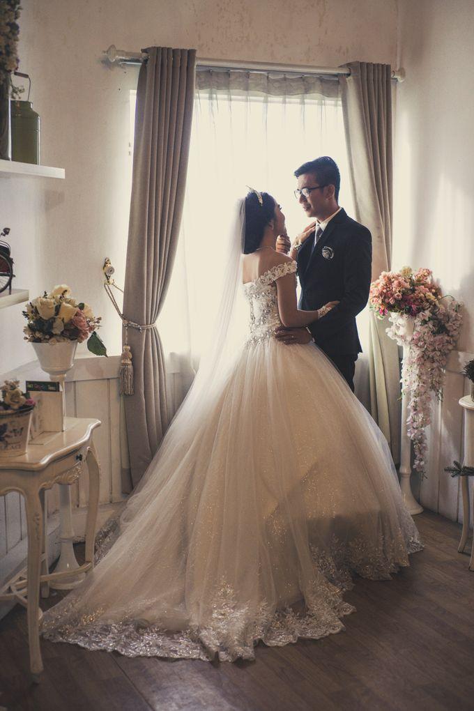Prewedding of Irwin & Septin by Vivre Pictures - 008