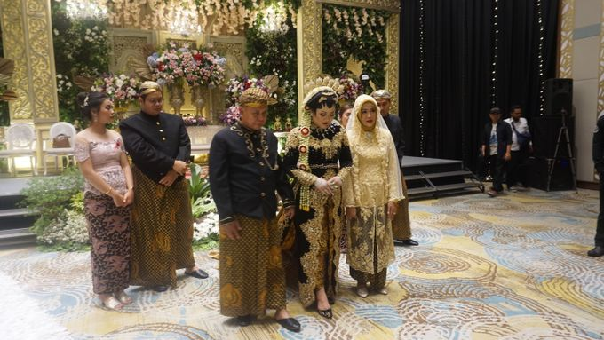 WEDDING OF DEWI & DIMAS by Grand Soll Marina Hotel - 005