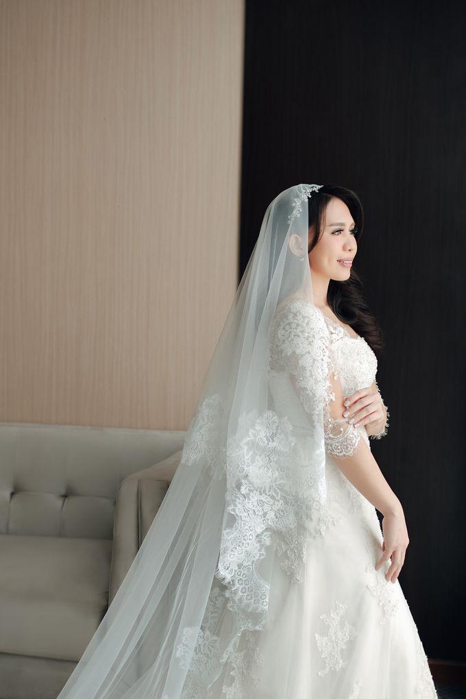 When I look at you, I can feel it. And I'm Home ❤ by Gorgeous Bridal Jakarta - 002