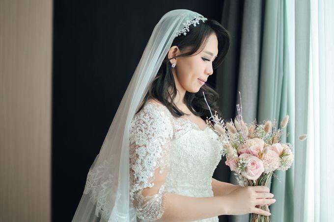 When I look at you, I can feel it. And I'm Home ❤ by Gorgeous Bridal Jakarta - 004