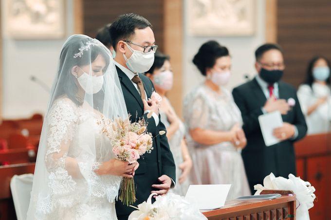 When I look at you, I can feel it. And I'm Home ❤ by Gorgeous Bridal Jakarta - 005