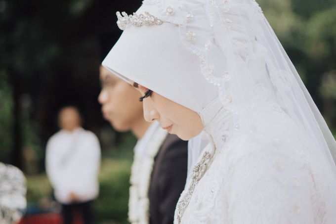 Intimate Wedding - Yoan & Tori by Loka.mata Photography - 009
