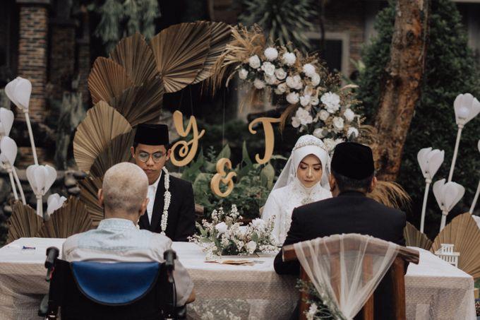 Intimate Wedding - Yoan & Tori by Loka.mata Photography - 010