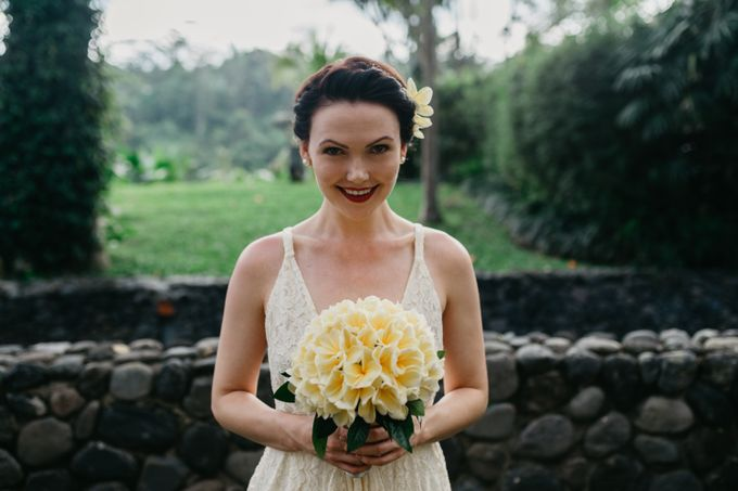 Fun and Romantic Wedding in Bali by Mariyasa - 007