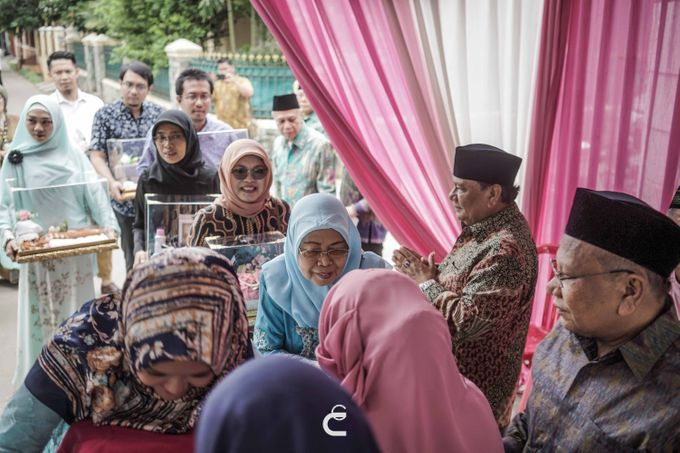 Engagement of Haezah & Rizky by Glenn Chandra Wedding - 003