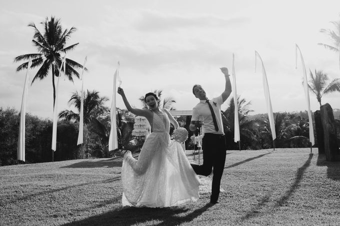 Fun and Romantic Wedding in Bali by Mariyasa - 001