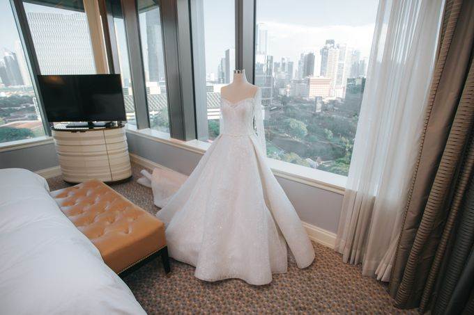 Evelyn & Jossy Wedding Preparation at Four Season Hotel by GoFotoVideo - 006