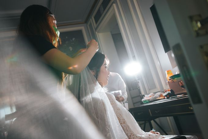 Evelyn & Jossy Wedding Preparation at Four Season Hotel by GoFotoVideo - 013