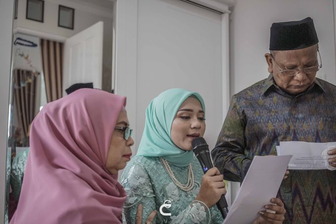 Engagement of Haezah & Rizky by Glenn Chandra Wedding - 007
