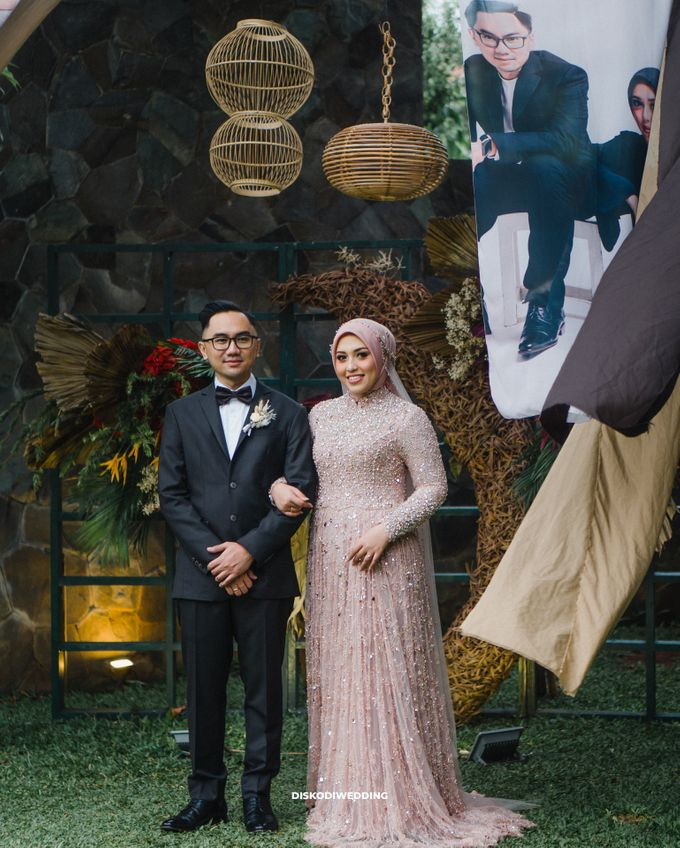 Taman Kajoe | Intimate Kendy & Dimas by diskodiwedding - 001