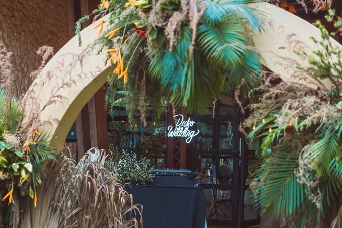 Taman Kajoe | Intimate Kendy & Dimas by diskodiwedding - 005