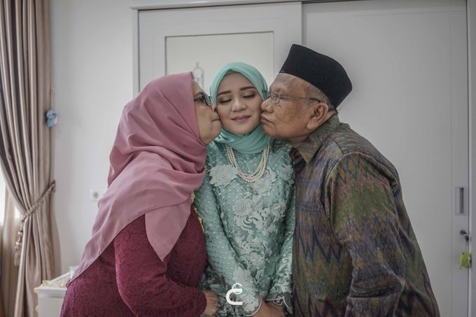 Engagement of Haezah & Rizky by Glenn Chandra Wedding - 008