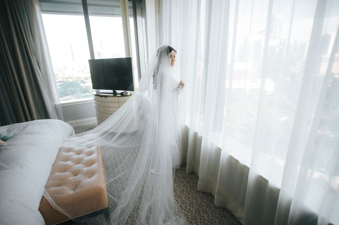 Evelyn & Jossy Wedding Preparation at Four Season Hotel by GoFotoVideo - 015