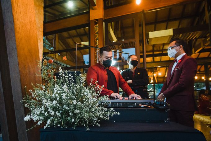 Taman Kajoe | Intimate Kendy & Dimas by diskodiwedding - 007