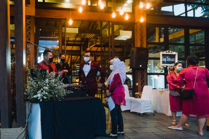 Taman Kajoe | Intimate Kendy & Dimas by diskodiwedding - 008
