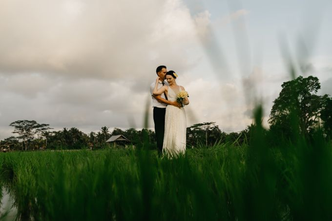 Fun and Romantic Wedding in Bali by Mariyasa - 017